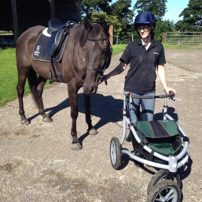 Joanne Pickens y su caballo Bobkat